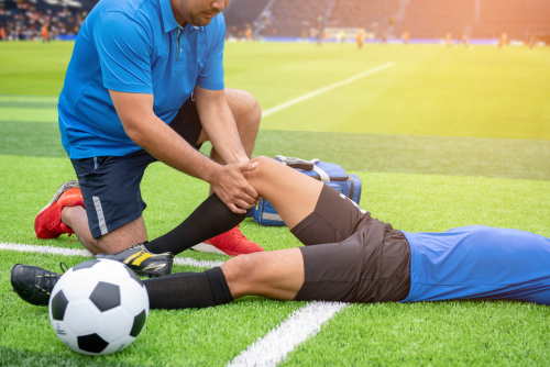Before becoming a sports physical therapist, there are several requirements to complete.